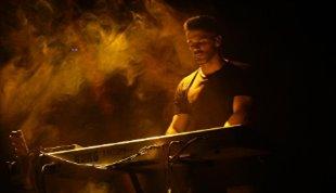 -بازگشت سیروان خسروی به صحنه/ سالن ایرانیان میزبان طرفداران سیروان شد