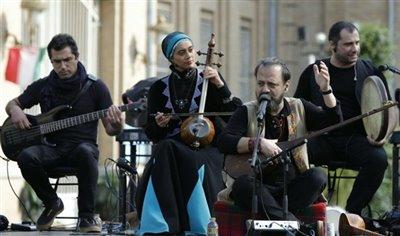 کنسرت رایگان رستاک در قلب تهران