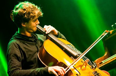 کنسرت موزیسین آلمانی در تهران / سازهای آکوستیک و الکترونیک ترکیب میشوند