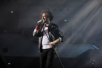 کاوه آفاق با اجرای آلبوم «لوتوس» روی صحنه رفت/ «شال» همچنان محبوب