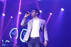 اجرای حامد همایون در جشنواره موسیقی فجر