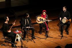 اجرای تصنیفهای انقلابی بزرگان موسیقی به خوانندگی پوریا اخواص
