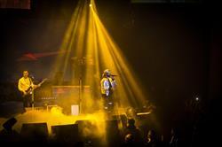 عکس یادگاری با هواداران در شب کنسرت ۴۵ هزارتومانی