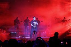 بازگشت سیروان خسروی به صحنه/ سالن ایرانیان میزبان طرفداران سیروان شد